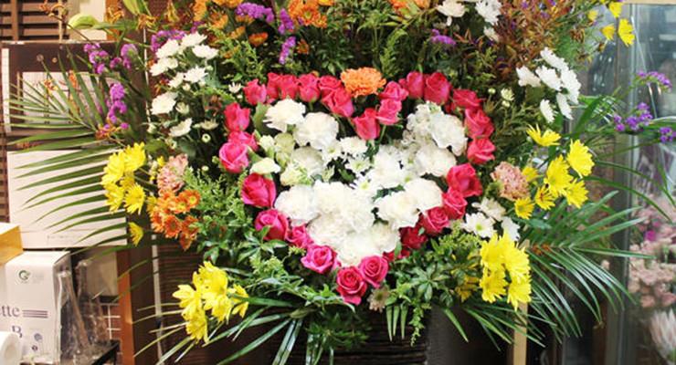 神戸国際会館こくさいホール寿美菜子さんのライブにスタンド花配達しました!