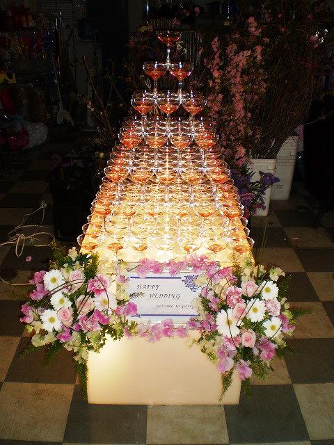 お花付きシャンパンタワー