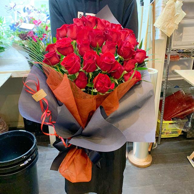 赤バラの花束ワンサイド