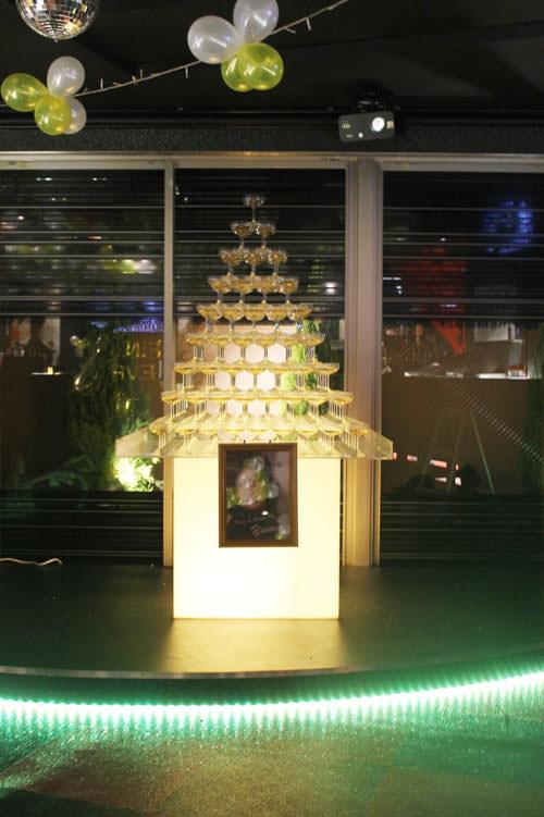 シャンパンタワー9段四角形 写真プレート付き
