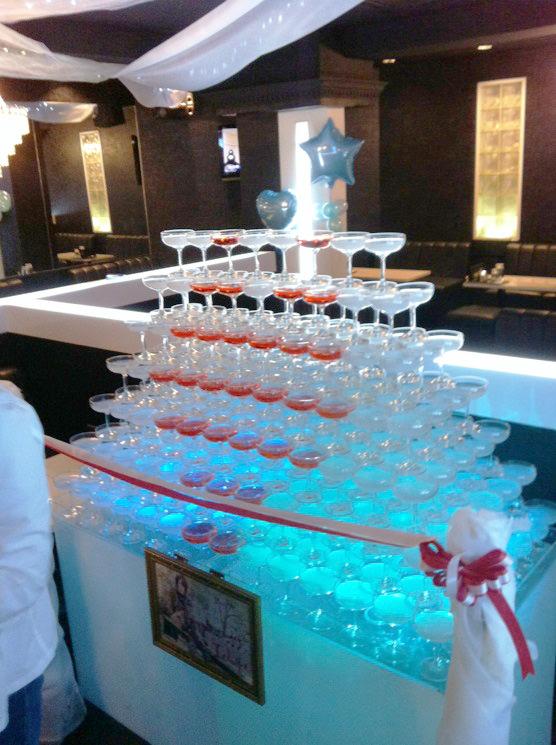ハート型シャンパンタワー